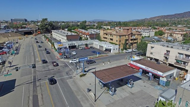 Retail for Sale at 1638 N San Fernando Boulevard Burbank, California 91504 United States