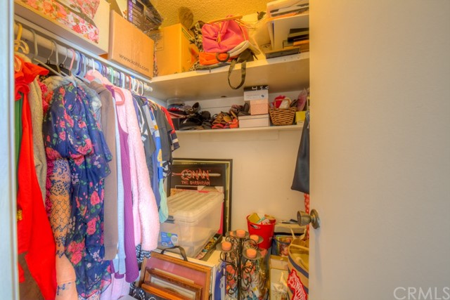 3565 Linden Avenue, Long Beach CA: http://media.crmls.org/medias/2fb57018-60ce-47cc-ba0f-f62252c94bf2.jpg