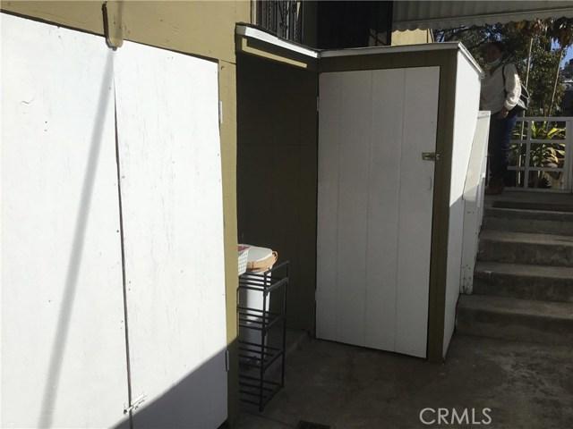 4302 Russell Avenue, Los Angeles CA: http://media.crmls.org/medias/2fb7049e-93e5-44d4-bffb-950e2ac29958.jpg