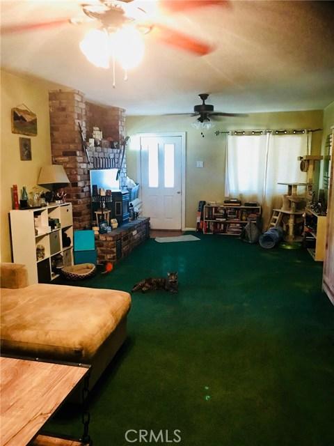 15978 2nd Street, Snelling CA: http://media.crmls.org/medias/2fd90197-69ae-4d79-a308-5a1473d0d518.jpg