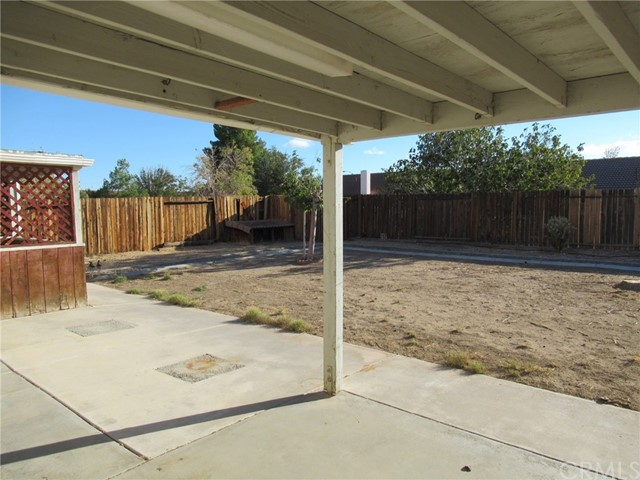 14671 Kelly Street, Adelanto CA: http://media.crmls.org/medias/2fe1b96e-ff33-463e-8bef-a1232ff632f2.jpg