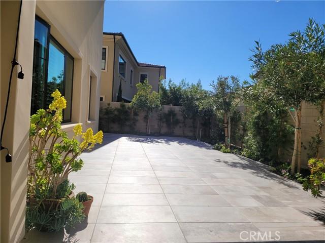 地址: 56 Redshift , Irvine, CA 92618