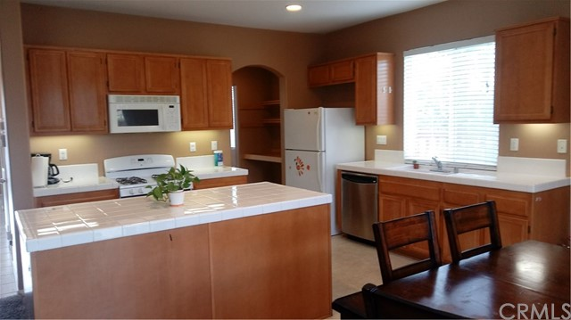 27730 Hollyoak Way, Menifee CA: http://media.crmls.org/medias/2ffa952d-e64a-453f-bad3-116020d3bb3b.jpg