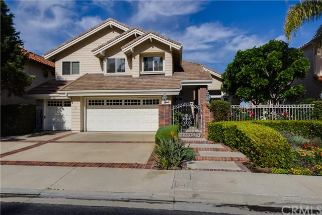 Single Family Home for Sale at 22271 Amber Rose St Mission Viejo, California 92692 United States
