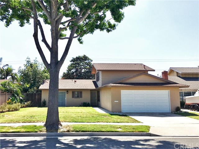 17241 Oak Street, Fountain Valley CA: http://media.crmls.org/medias/3006f6c5-1566-4df9-8591-9d723a1ad751.jpg