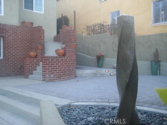 3201 Dos Palos Dr, Los Angeles, CA 90068 Photo 2