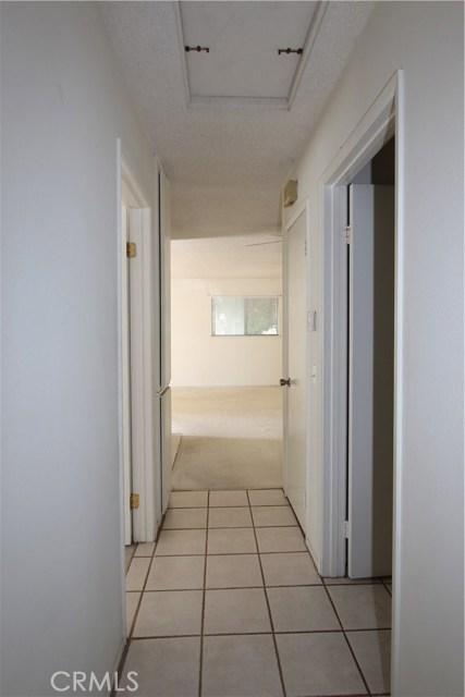 3008 Knollwood Avenue, La Verne CA: http://media.crmls.org/medias/300cfbee-8052-4f38-98b3-be7fe85bb2b7.jpg