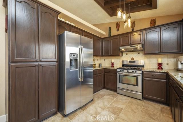 57490 Redondo Street, Yucca Valley CA: http://media.crmls.org/medias/3015a65d-d8f9-454b-bb2f-ce73b7d4655f.jpg