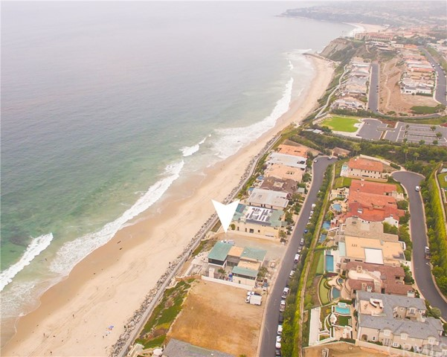 41 Strand Beach Drive, Dana Point CA: http://media.crmls.org/medias/3025dfa9-f4be-4312-9a10-fe3c6ecb3c13.jpg