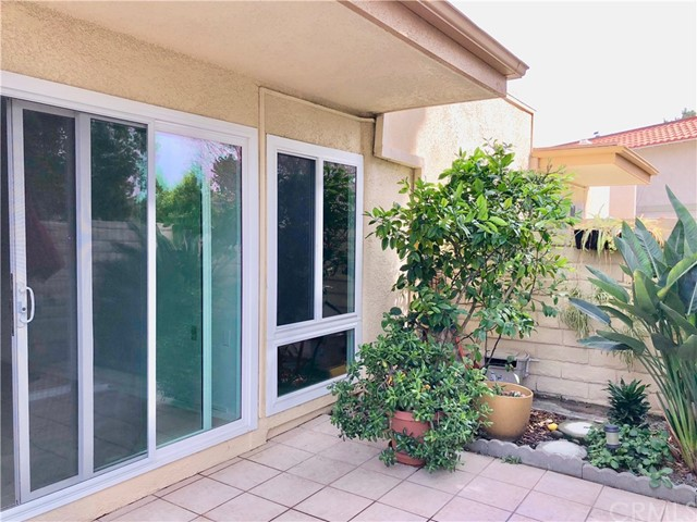 2213 Via Mariposa East, Laguna Woods CA: http://media.crmls.org/medias/302b79f1-05e9-4aac-aafb-c4d0d873547c.jpg