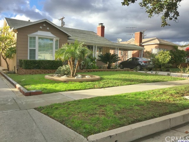Single Family Home for Rent at 1125 Graynold Avenue Glendale, California 91202 United States