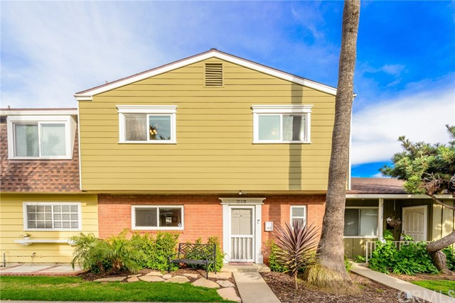 21131  Freeport Lane, Huntington Beach, California