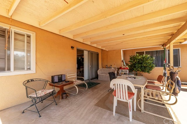 56851 Mountain View, Yucca Valley CA: http://media.crmls.org/medias/30560786-185c-45f7-98de-57118b6f2c33.jpg