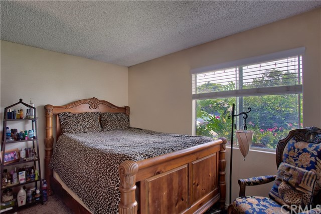 136 N Grant Place, Orange CA: http://media.crmls.org/medias/30610128-db2b-49a5-88b5-84c7c8710a57.jpg