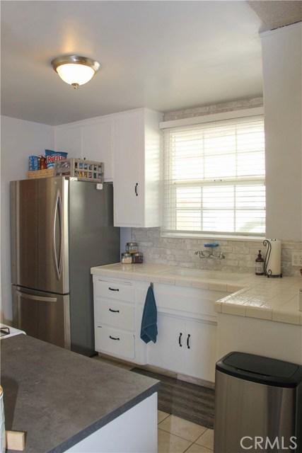 423 W Leeside Street, Glendora CA: http://media.crmls.org/medias/3062ae55-8267-406c-909e-b88b69cec508.jpg