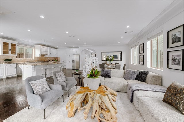 212 Avenue B, Redondo Beach, California 90277, 5 Bedrooms Bedrooms, ,6 BathroomsBathrooms,Single family residence,For Sale,Avenue B,IN19015894