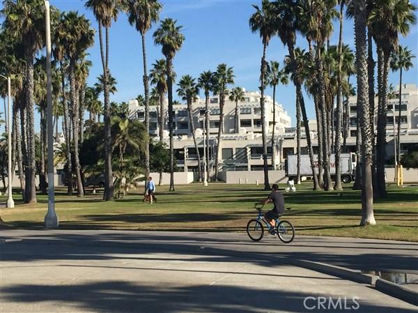 110 Ocean Park Bl, Santa Monica, CA 90405 Photo