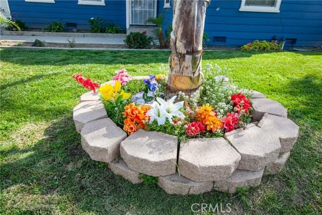 1123 W 15th Street, San Bernardino CA: http://media.crmls.org/medias/309e2d43-44cc-4fc9-94e9-4267526e21af.jpg