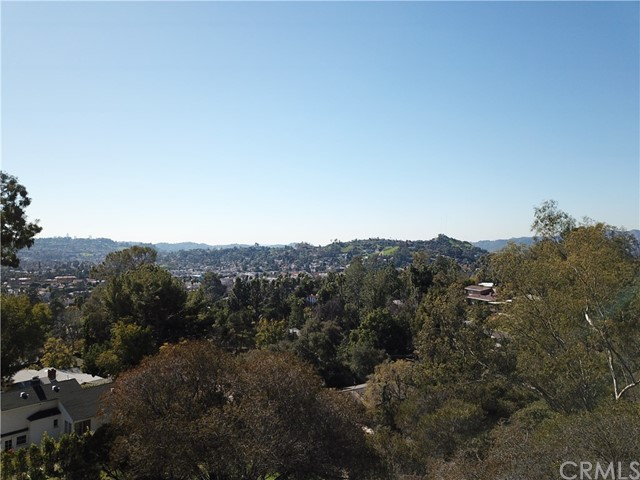5342 N Highland View Place, Eagle Rock CA: http://media.crmls.org/medias/30a216cc-bb76-4559-8d1d-bc3a3d947dca.jpg
