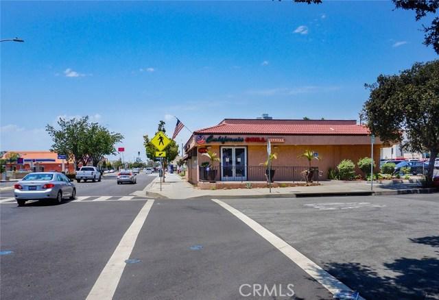 335 E Foothill Boulevard, Azusa CA: http://media.crmls.org/medias/30bc1c30-f5cb-40b0-8665-2ebc8039cdb3.jpg