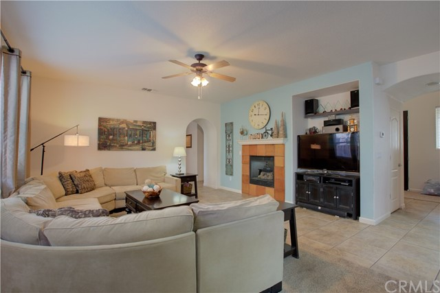 2057 Canon Persido Court, Atwater CA: http://media.crmls.org/medias/30bfe6aa-c4a7-45ca-8f3d-c170e8d8f977.jpg