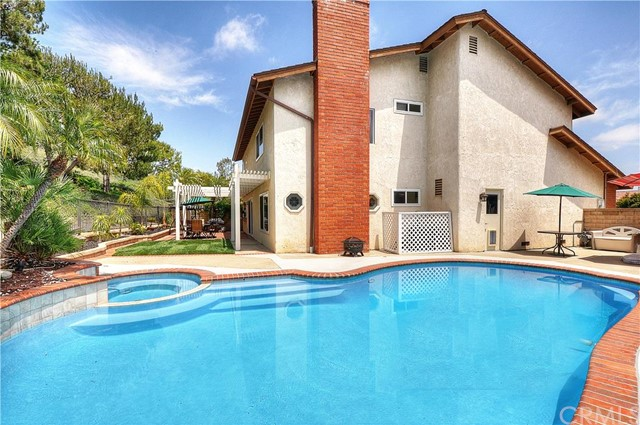 22495 Almaden Mission Viejo, CA 92691 is listed for sale as MLS Listing OC16124921