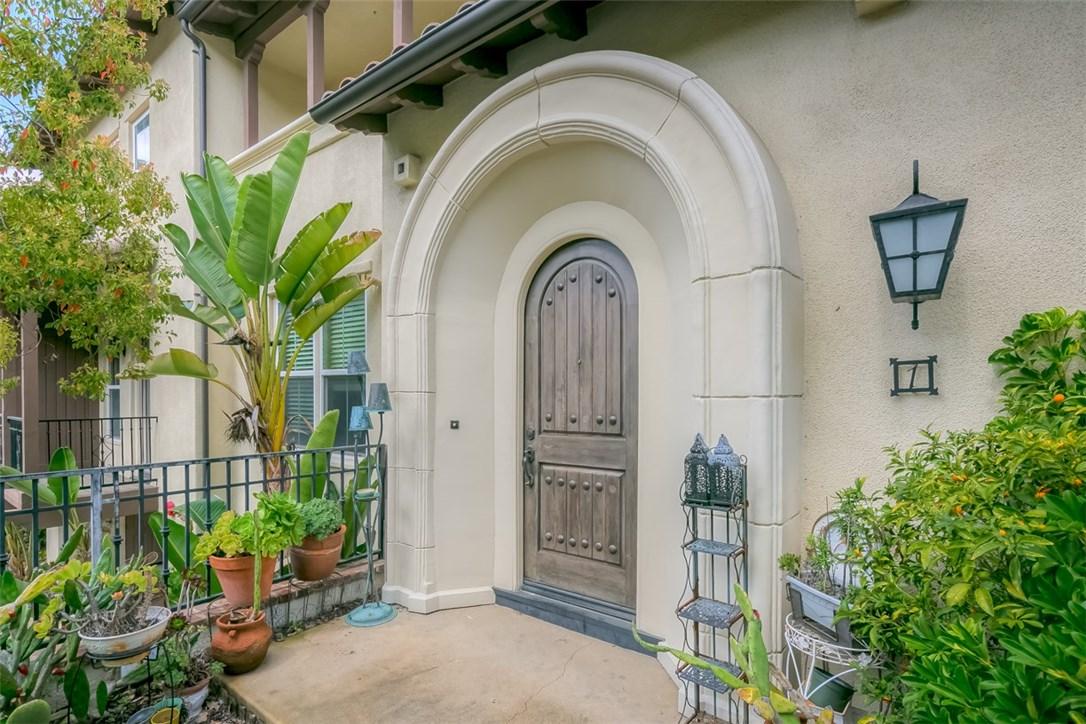 923 Terrace W Lane, Diamond Bar CA: http://media.crmls.org/medias/30d22162-9c76-47a0-8884-13b6f1e0c72f.jpg