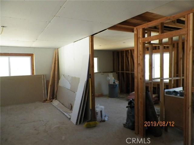 36770 Old Cary Road, Anza CA: http://media.crmls.org/medias/30d6564c-1f11-4f03-a7e4-9062ec696614.jpg
