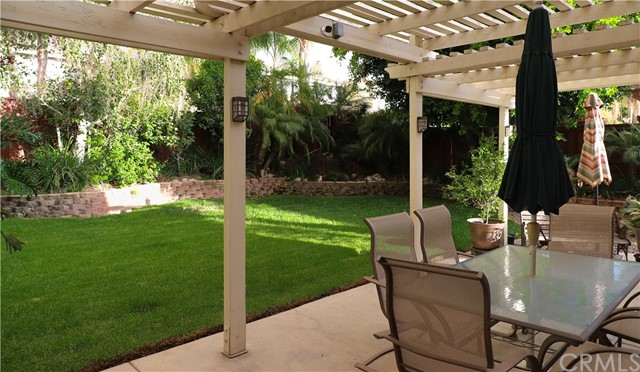 2563 Gilbert Avenue, Corona CA: http://media.crmls.org/medias/30e96f27-4794-4de6-bb75-7d6cbe6af641.jpg