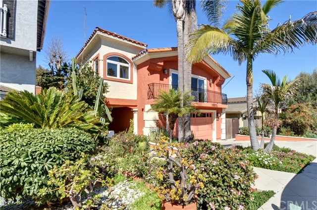 3529 Pine Avenue  Manhattan Beach CA 90266