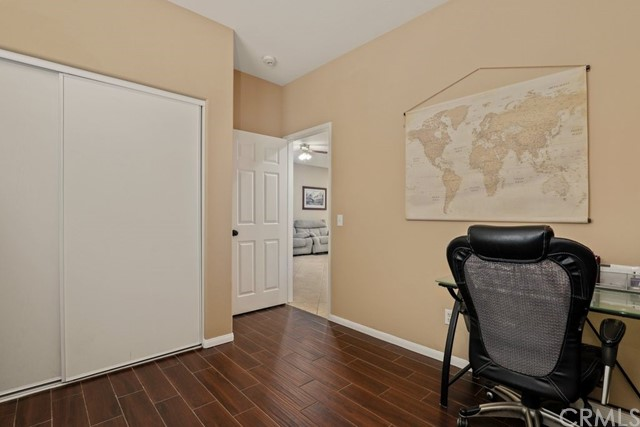 21 Nutwood Avenue, Beaumont CA: http://media.crmls.org/medias/30f10958-39f0-4c68-9061-bd2fc365e662.jpg