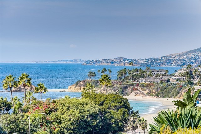 31365 Monterey Street, Laguna Beach CA: http://media.crmls.org/medias/3123fd2f-c455-47b7-bb02-6dc02fd97af9.jpg