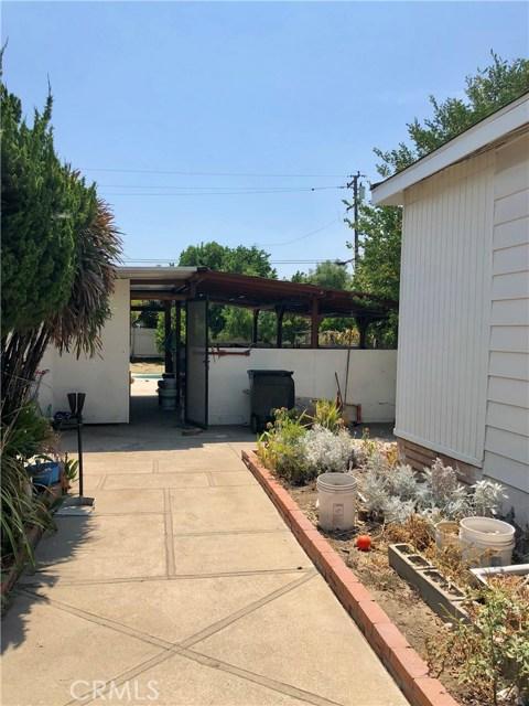 13333 Earl Avenue, Baldwin Park CA: http://media.crmls.org/medias/3129bb36-be9d-4d88-a872-1100a833a4c8.jpg