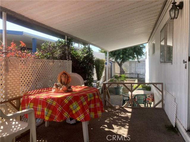 305 N Jade Cove, Long Beach CA: http://media.crmls.org/medias/314274c2-f580-42c5-bc43-2fbc16f5d65d.jpg
