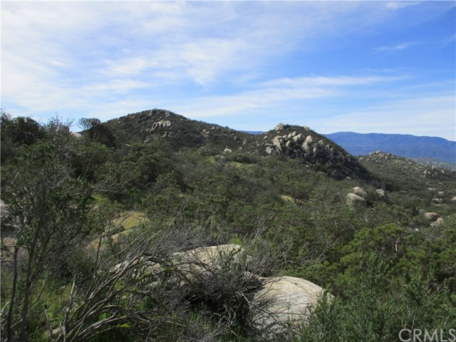 991 Crazy Horse Canyon Road, Aguanga CA: http://media.crmls.org/medias/315a0b6d-c803-463c-917e-6646ed148f31.jpg