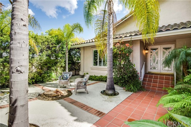 886 N Holly Glen Dr, Long Beach, CA 90815 Photo 1