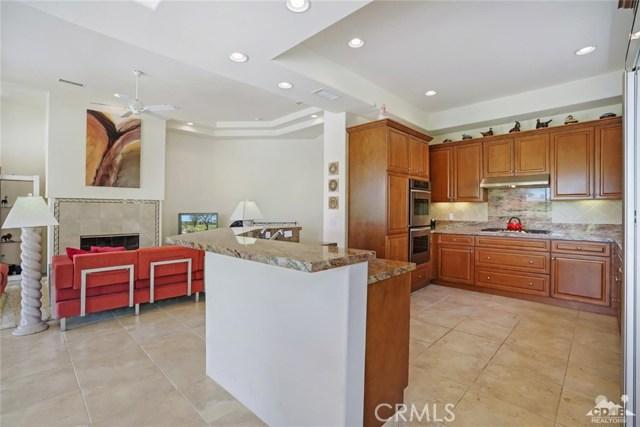 10 Via Haciendas, Rancho Mirage CA: http://media.crmls.org/medias/317438e8-0035-4de2-bc7d-1891fc58cefd.jpg
