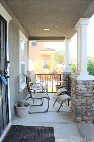 16045 White Mountain Place, Victorville CA: http://media.crmls.org/medias/3178f39c-59fe-495c-b7e6-0e45c79eb5ff.jpg