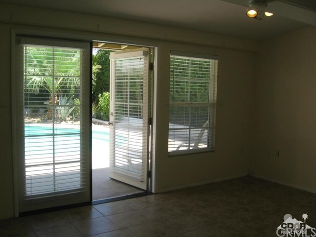 74196 Chicory Street, Palm Desert CA: http://media.crmls.org/medias/317e78da-d932-4be0-9a44-69ae945e4add.jpg