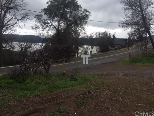 3178 Oak Crest Drive, Clearlake CA: http://media.crmls.org/medias/31853cf6-01c5-42ca-a58e-49bc2fb55473.jpg