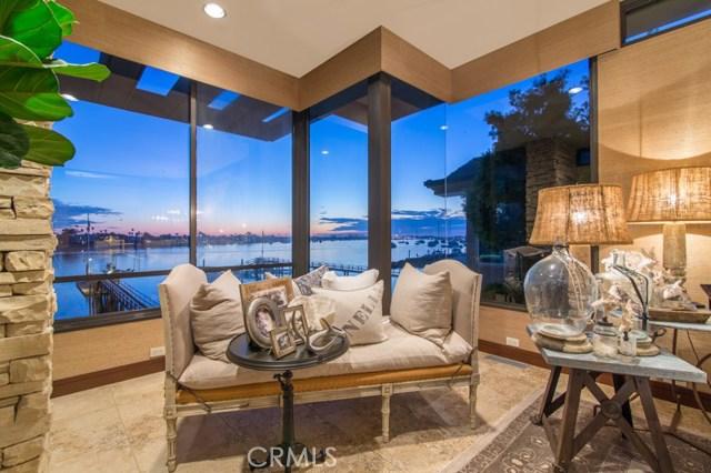 Casa Unifamiliar por un Venta en 2033 Bayside Drive Corona Del Mar, California 92625 Estados Unidos