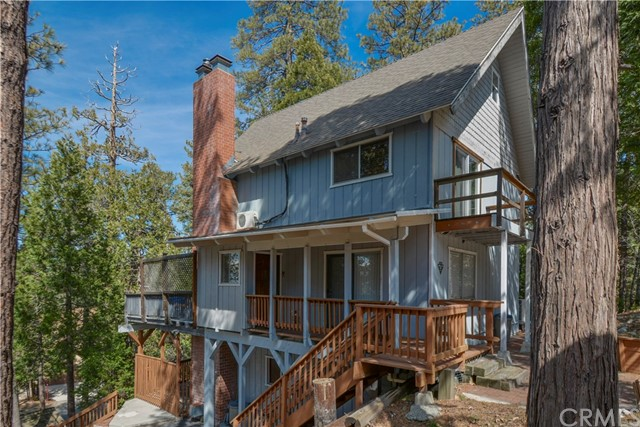 527 Rainier Road, Lake Arrowhead CA: http://media.crmls.org/medias/31a52819-5434-491f-98a5-690b2130f831.jpg