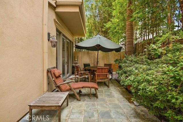 411 N Oakhurst Drive, Beverly Hills CA: http://media.crmls.org/medias/31b78ba5-886f-4148-b4e0-9f4c271c8a3b.jpg