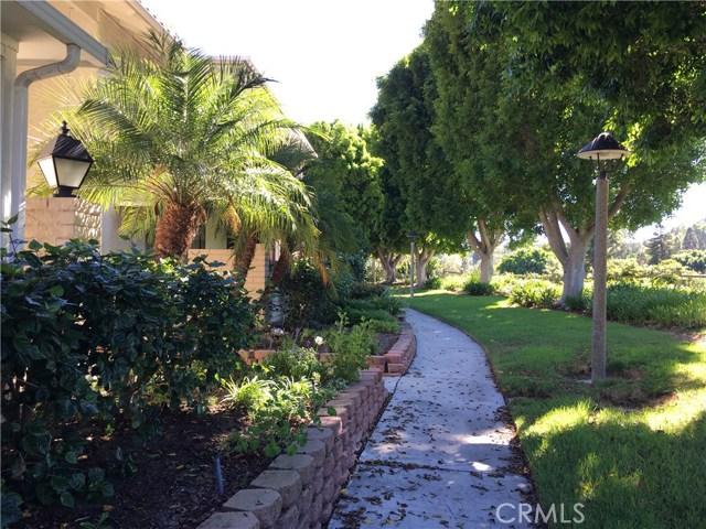 3306 Via Carrizo, Laguna Woods CA: http://media.crmls.org/medias/31bfb2be-bb29-40f2-8393-de354a0d9fec.jpg