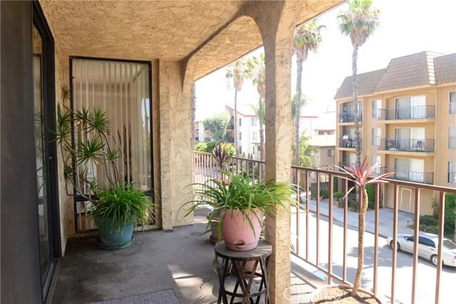 3511 Elm Avenue, Long Beach CA: http://media.crmls.org/medias/31ccea94-e030-415d-8430-226173105dbb.jpg