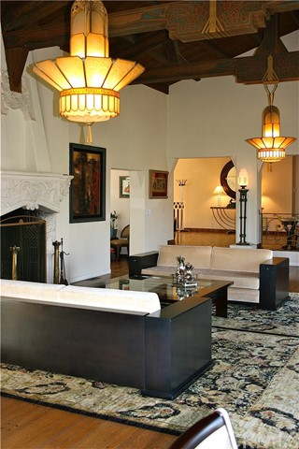 607 Foxwood Road, La Canada Flintridge CA: http://media.crmls.org/medias/31d1d2ce-990e-4fd6-890a-7f4a4738f943.jpg