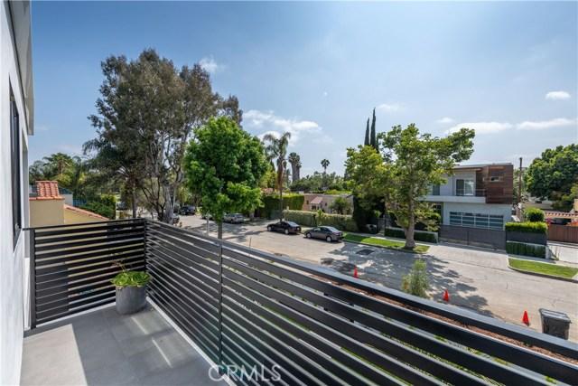 726 N Cherokee Avenue, Los Angeles CA: http://media.crmls.org/medias/31d33458-16f2-4824-80ce-1333181262e7.jpg
