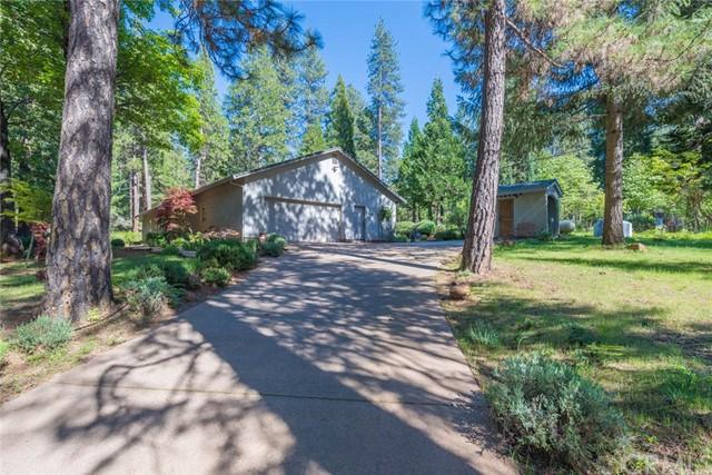 4911 Contentment Ln, Forest Ranch, CA 95942 Photo