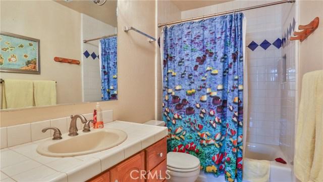 1322 Lanfair Street, Redlands CA: http://media.crmls.org/medias/31e1091e-cae7-4aeb-bb4f-9f9f858eb898.jpg