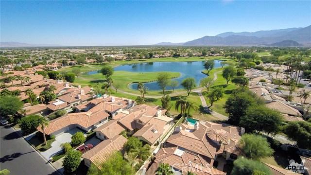 54015 Southern Hills, La Quinta CA: http://media.crmls.org/medias/31ea92dd-42e1-4664-bfc4-03f4c04f5c83.jpg